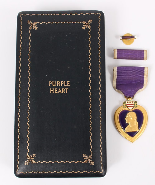 WWII US Army Purple Heart Medal set with case