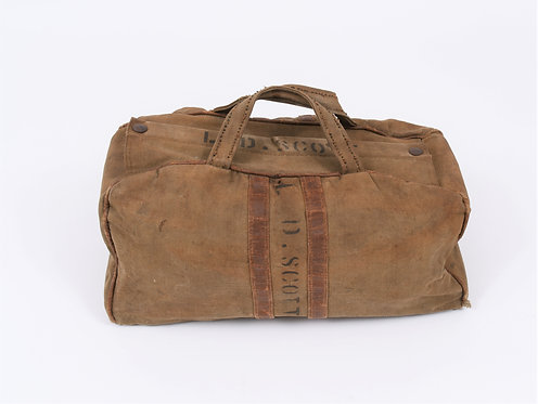 WWII US Army Officer personal effects carrying bag