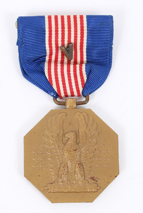 WWII US Army Soldier Medal w/ Valor slot brooch