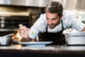 Chef au travail restaurant parrainage