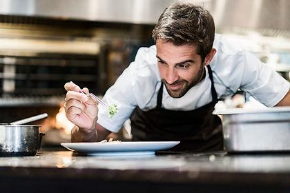 Cozinheiro chefe no trabalho