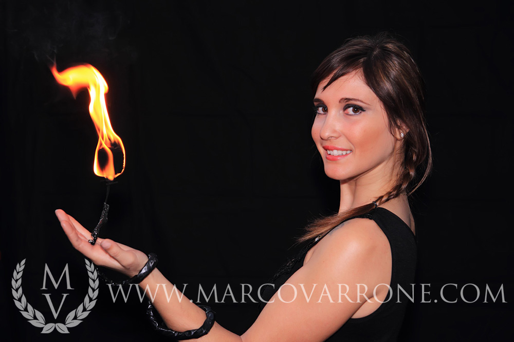 female_fire_jugglerIMG_opt - Copia.jpg