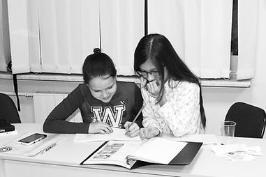 Английский для школьников, подготовка к экзаменам в студии HelloYellow