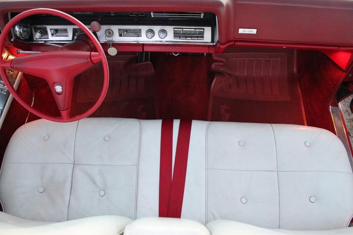 1967 Cadillac de Ville Convertible wnętrze - interior