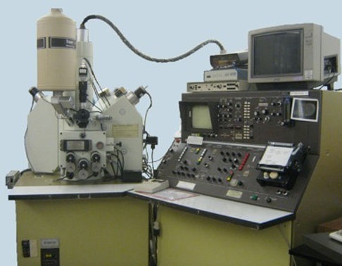 JEOL 733 Electron Microprobe