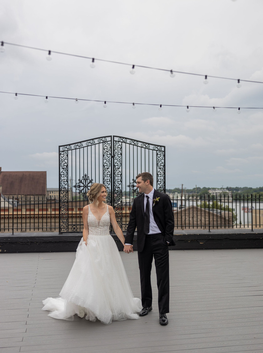 Bride and groom on Illinois rooftop