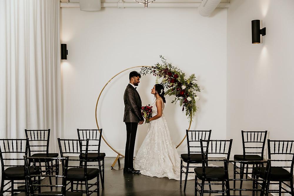 Edgy Chicago fall wedding ceremony