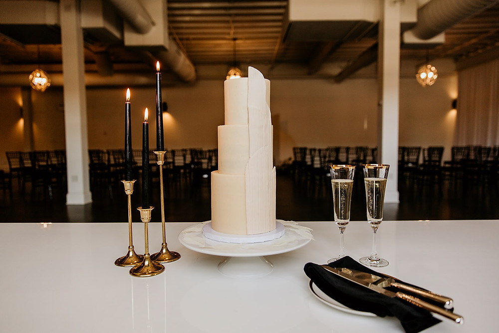Modern neutral wedding cake