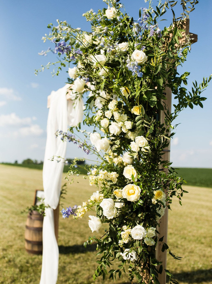 Wedding flowers on arch in Illinois