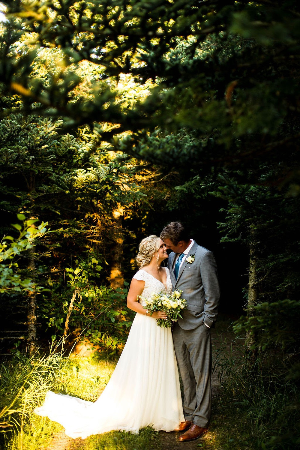 Illinois couple in the woods on wedding day