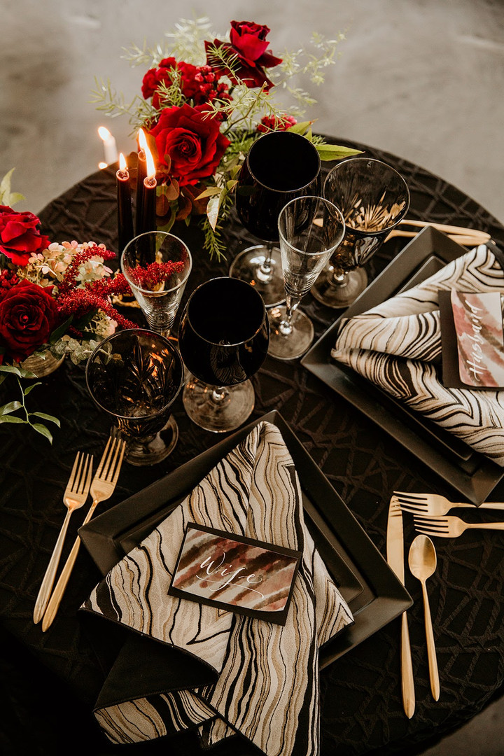 Edgy wedding table setting in Chicago