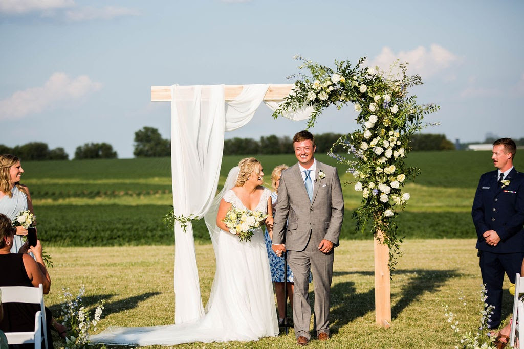 Illinois farm wedding ceremony