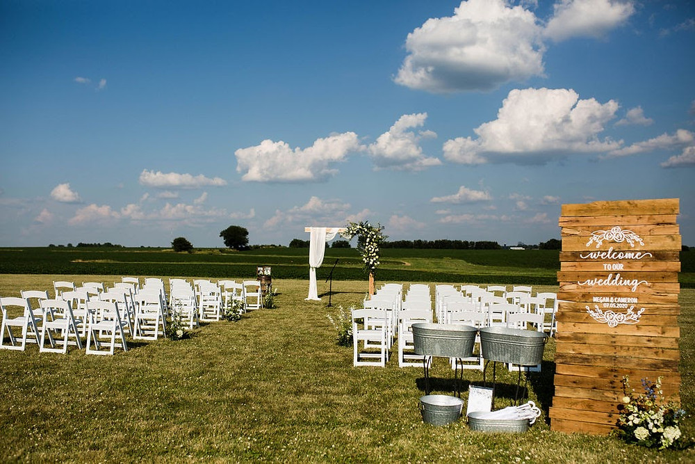 Illinois outdoor rustic wedding ceremony
