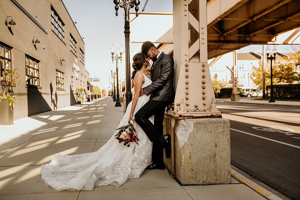 Bride and groom in Chicago streets