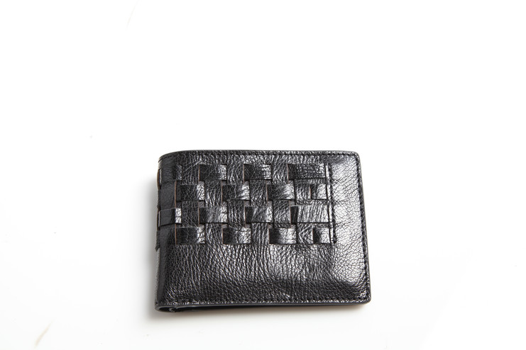 A WIDE COLLECTION OF LEATHER WALLET