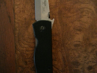 The General's new knife.  Emerson CQC 7