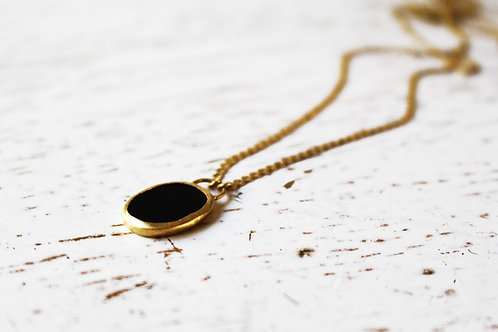 Oval Onyx Wrapped with 14k Gold on a Matte 14k Necklace
