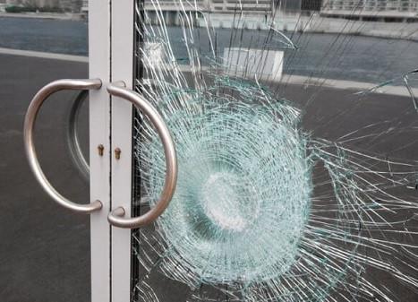 Damaged double glazed laminated glass