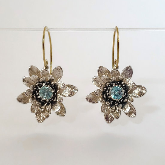 flower power earrings with blue zircon