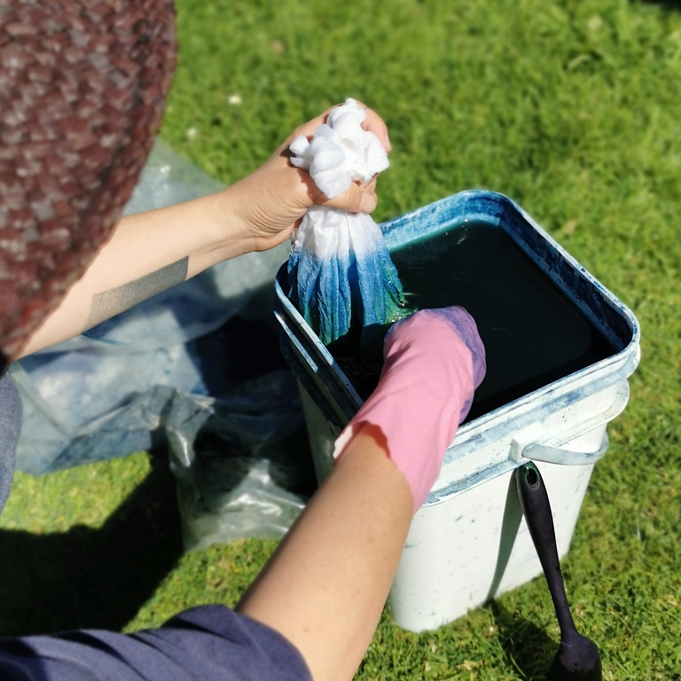 Vat dyeing with indigo