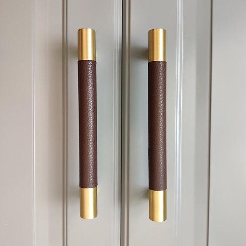 art. 150 коричневая кожа / матовая латунь