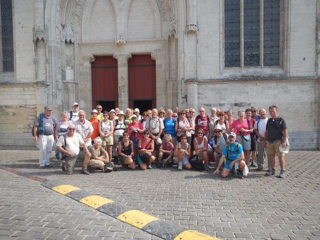 Photo de groupe, le 25 juillet 2018 devant la cathédrale de Saint-Omer. Merci à Christian Maveau pour ce souvenir !