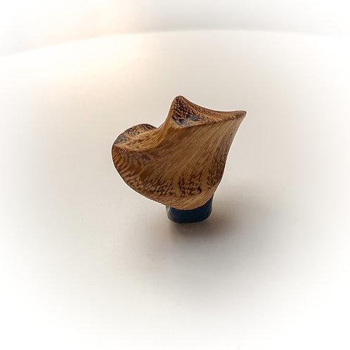 The dancing wood in walnut