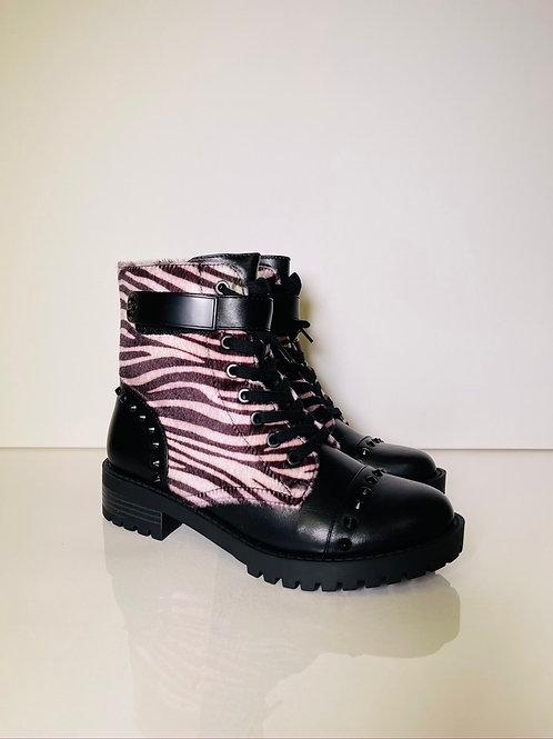 Guess Zebra