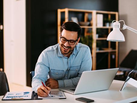 Rozmýšľaš nad prácou freelancera? Aké pozitíva alebo negatíva ti to môže priniesť?