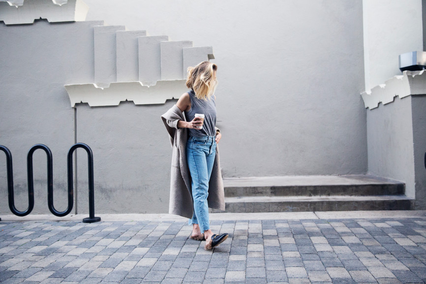 SHOULD YOU WEAR MOM JEANS IF YOU'RE A MOM?