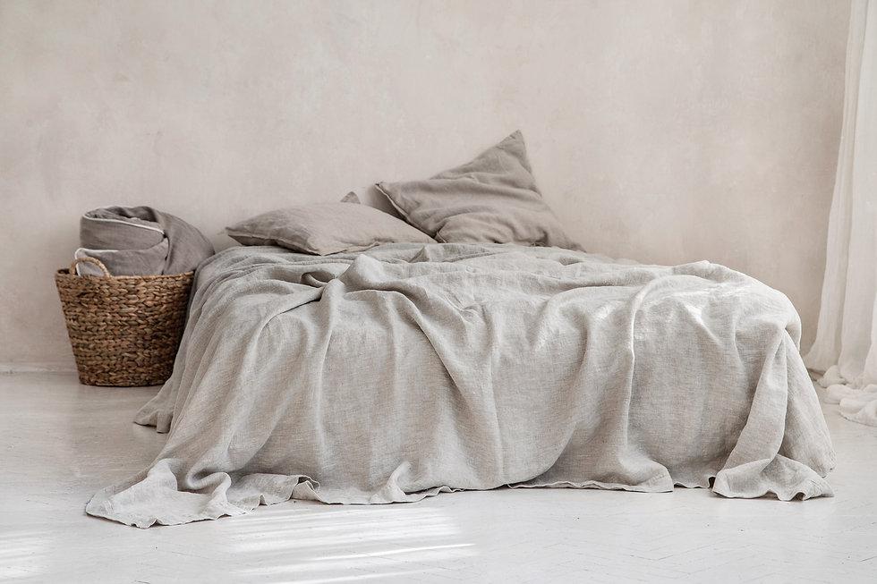 enkelt sengeteppe av naurelt lin