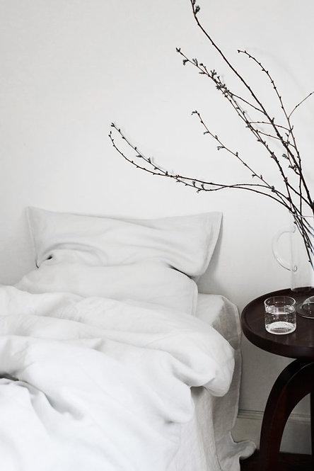 grå sengesett av lin