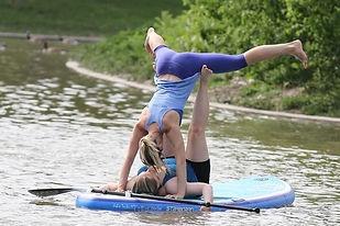 SUP Acro Yoga