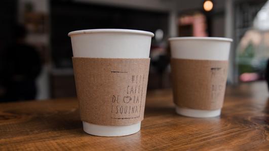 EL CAFÉ DE LA ESQUINA