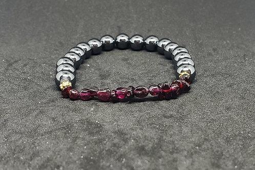 NATURAL Garnet & Hematite Bracelet (succes in Love & business,HealthBenefits)