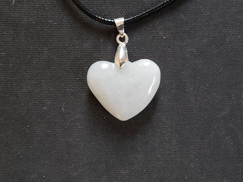 NATURAL Heart Jade Necklace (Protection, Calm emotions, Wisdom)