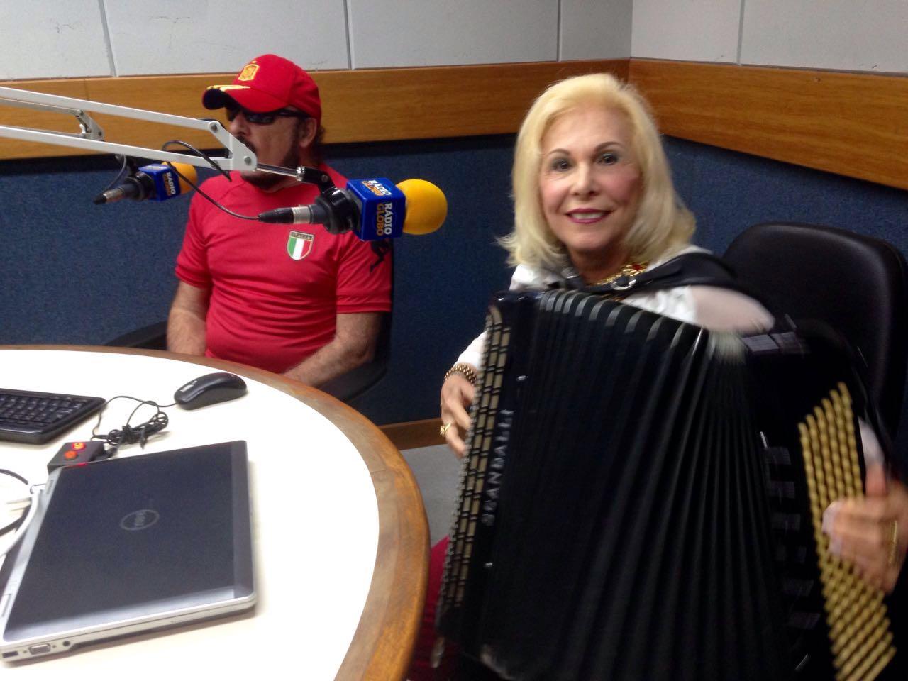 Tocando na Rádio Globo Maio/2016