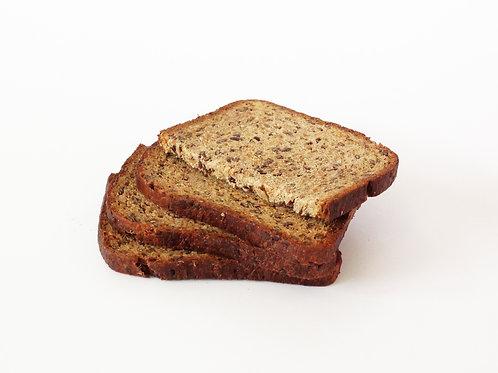 Tranche de pain multi céréales pour votre programme minceur
