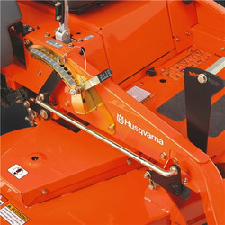 Pedal Assisted Cutting Deck Lift