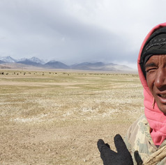 Pamir Highway, 4500m - 1km from Chinese border