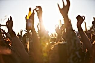 фестиваль толпы