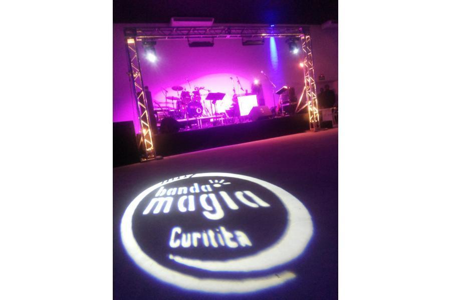 Palco do Concept Hall com Banda Magia