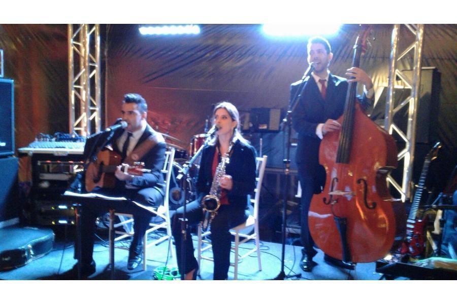 Músicos para recepção de convidados da festa. Campo Largo