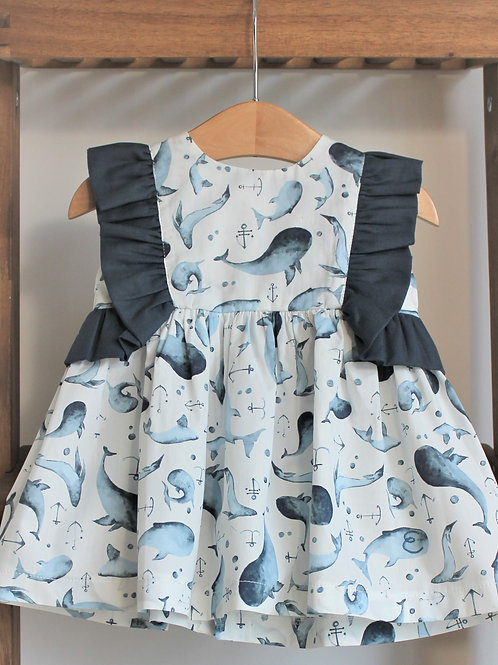 Vestido e tapa fraldas Baleias