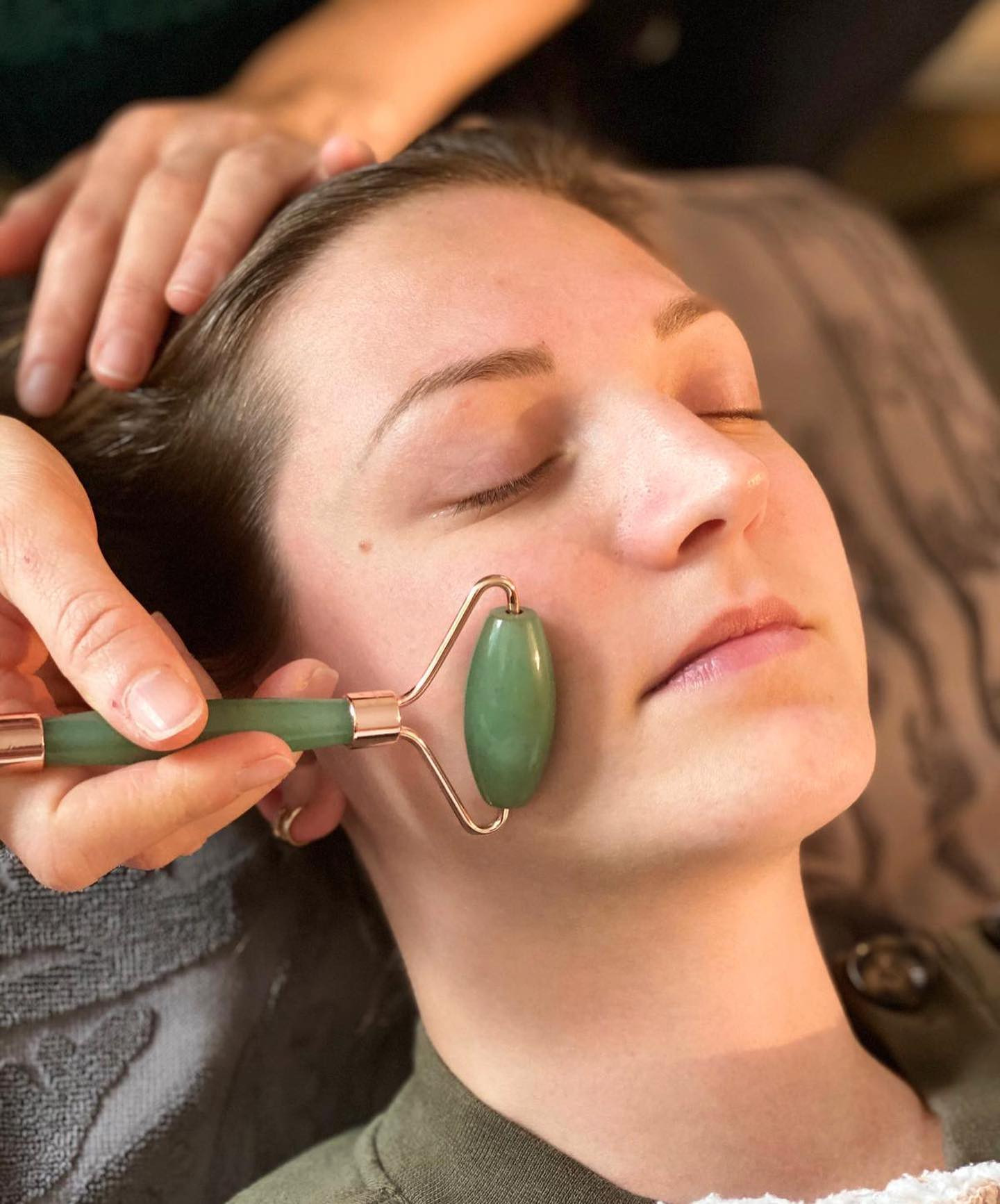 Massage visage aux Pierres de JADE
