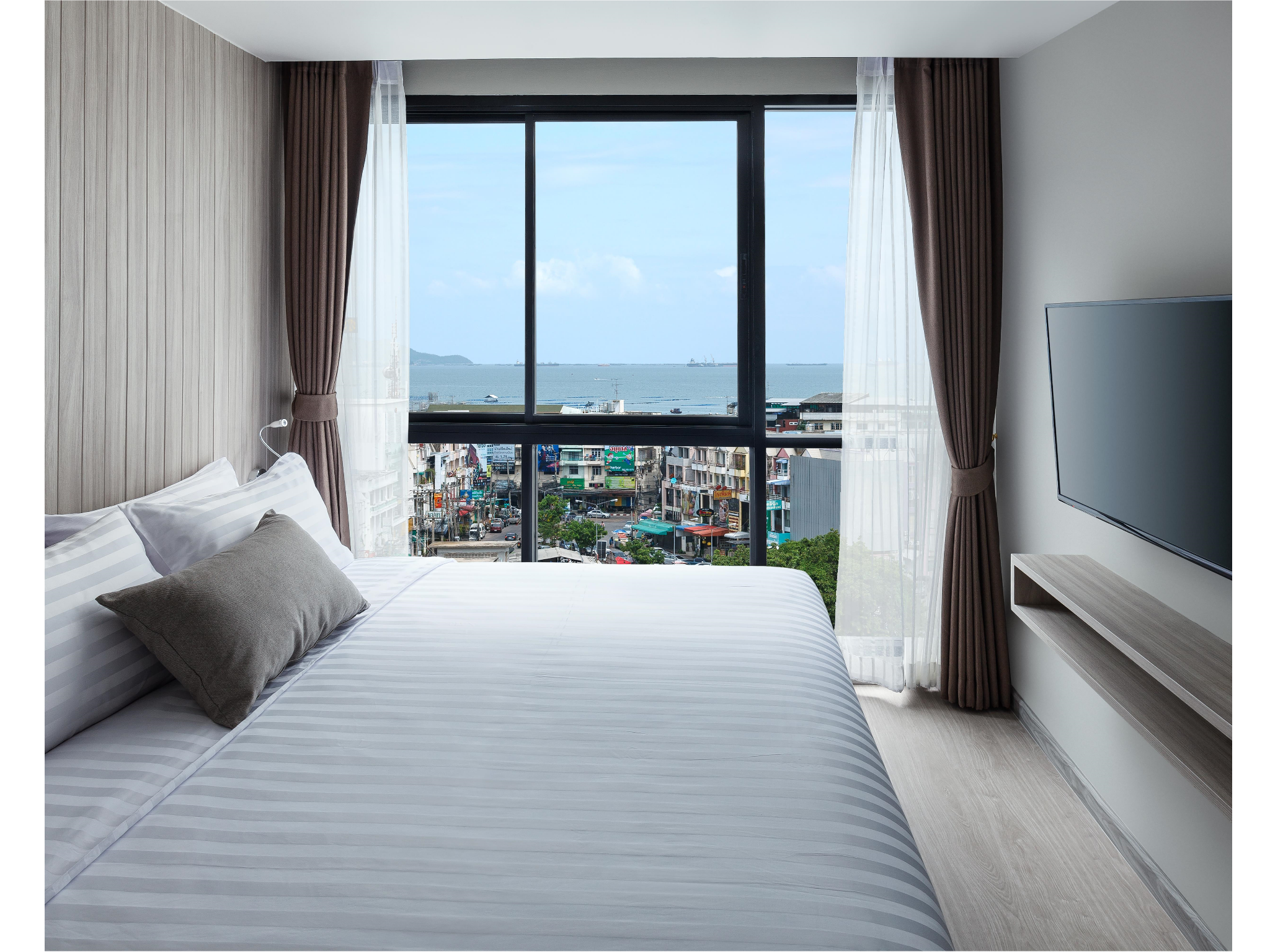 One Bedroom Executive B - Bedroom ver B resized