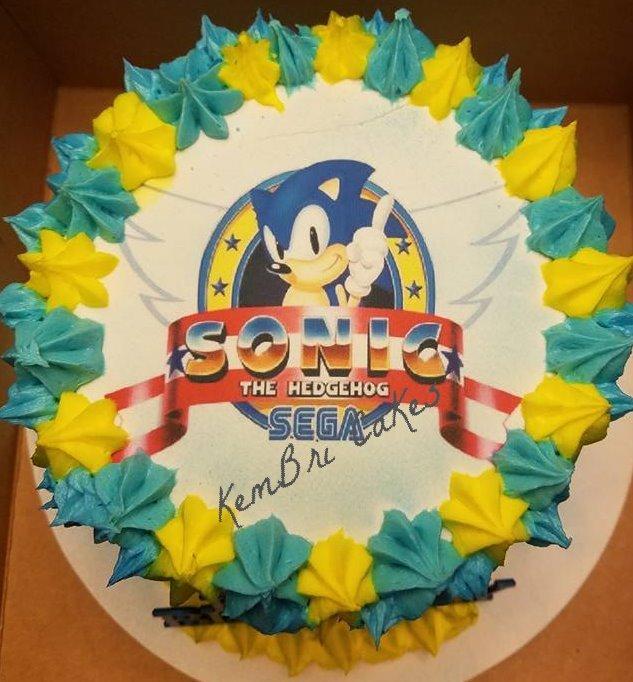 Sonic the Hedgehog cake_edited_edited