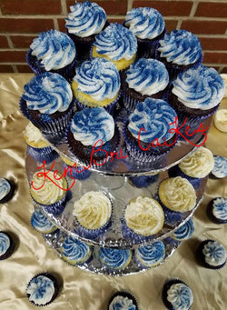 Chocolate Vanilla Cupcakes_edited_edited