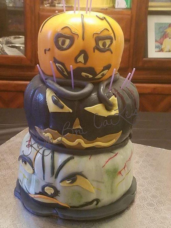 Kemari's Pumpkin Birthday Cake_edited_edited