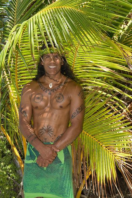 Photo de Teuai Lenoir directeur et guide de Iaorana tahiti Expéditions